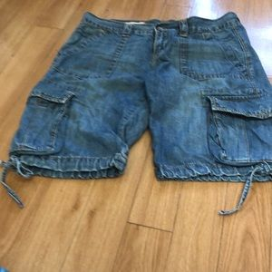 Old school gap 1969 denim cargo shorts size 6
